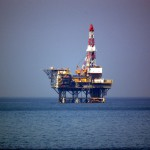 Iwafune-oki_oil_platform_in_Japan (1)