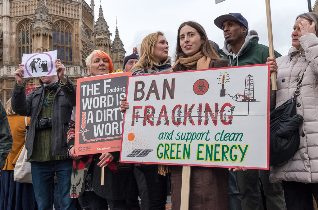 """Opposition Grows to UK Government's Fracking """"Bribe"""""""