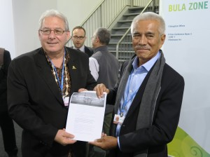 Anote Tong, former president of Kiribati, and Francois Martel, Secretary General of the Pacific Island Development Forum, sign the Lofoten Declaration at COP23.
