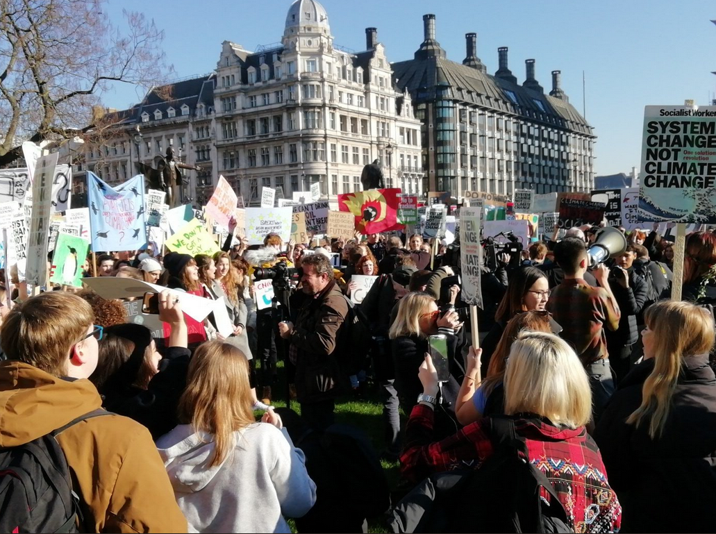 Thousands Of City Children Not Getting >> Seas Are Rising So Are We Thousands Of Kids Protest In Uk Over