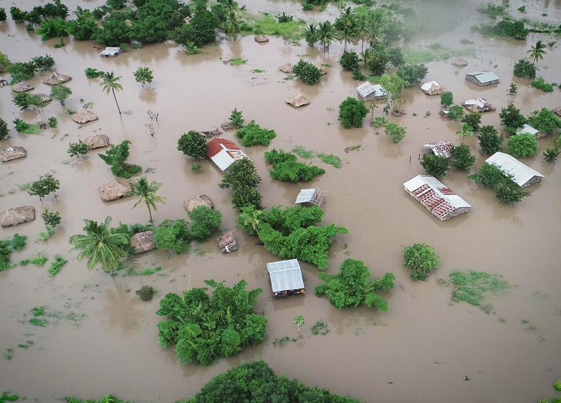 "Devastation wrought by Cyclone Idai is ""yet another wake-up call"" on climate change"