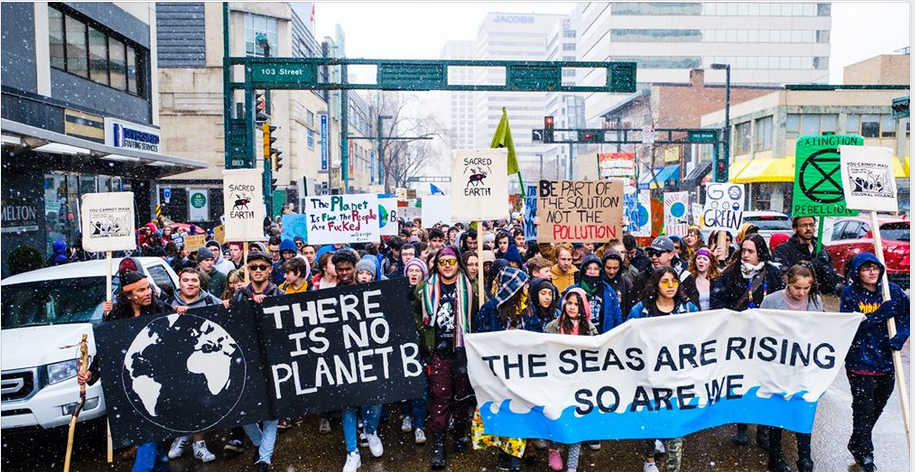 "Tar sands supporters rally against Greta Thunberg for ""creating climate emergency hoax"""