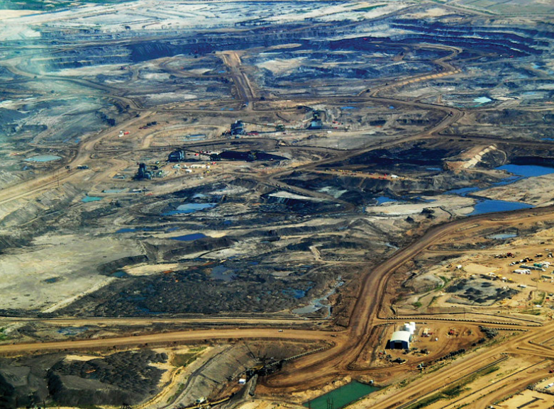 """With tar sands on """"life support"""", Canada prepares a multibillion bailout for oil & gas"""