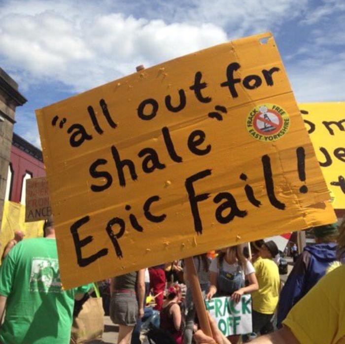 """As UK announces fracking moratorium, research reveals how """"chaotic"""" technique is"""