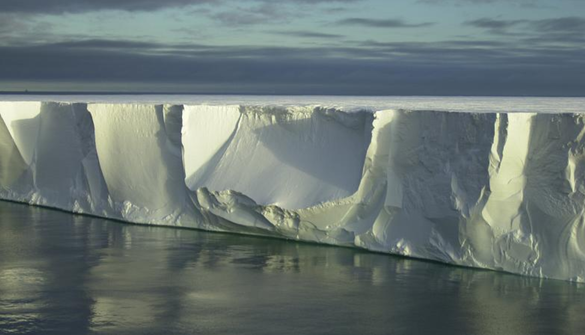 Climate change: Antarctica and Arctic showing further signs of trouble